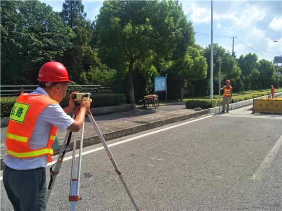 严格控制工期节点  按时沥青面层施工  ——联业路(南海公路~沪杭公路)道路中修工程